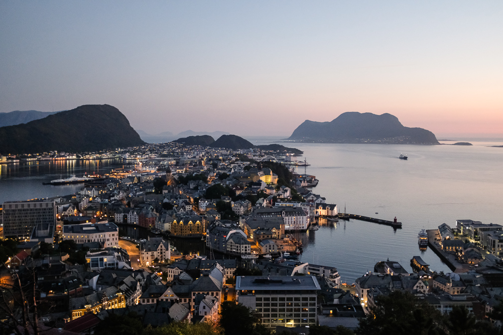 An evening view of Ålesund from near the Fjellstua viewpoint